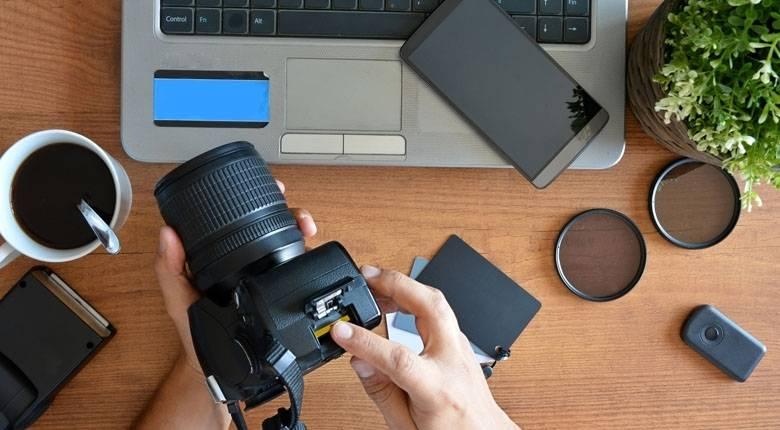vlogging-camera-9369362