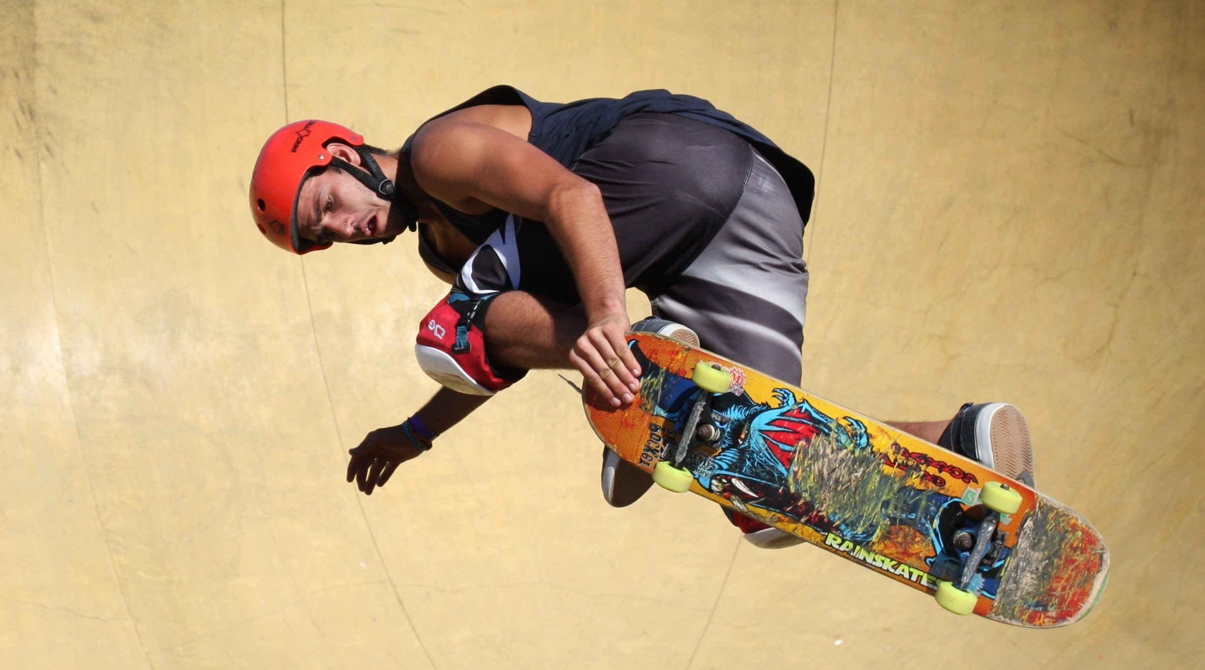 skateboard-helmet-e1465448015184-1648594